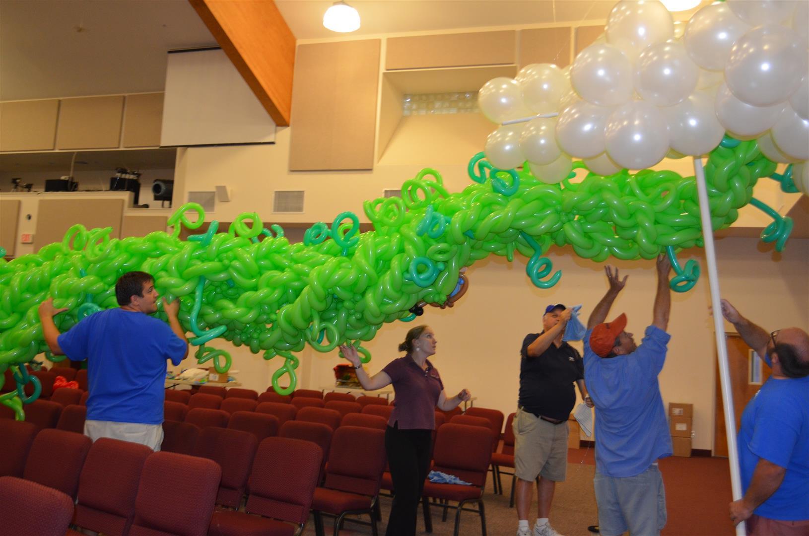 balloon-artist-naples-jack-beanstalk